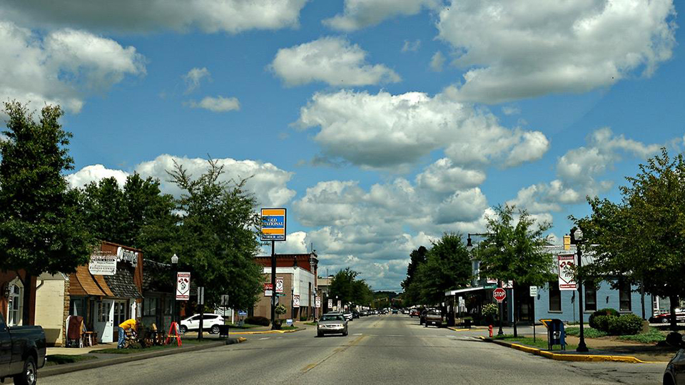 Main Street Shopping in Tell City photo