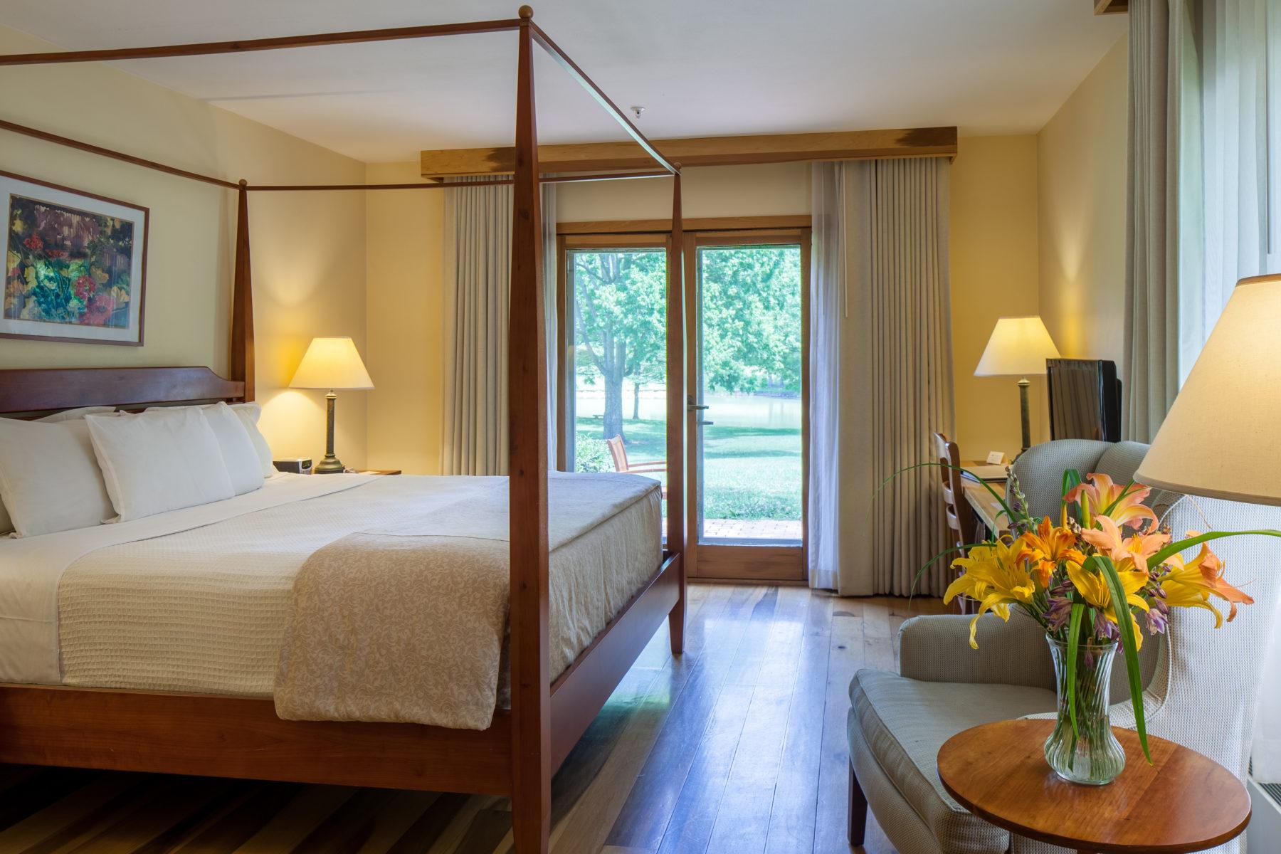 The New Harmony Inn Resort & Conference Center photo